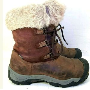 Keen Women's Winter Boots  Distressed Size 8.5